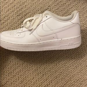White Nike Forces (LEFT SHOE ONLY)